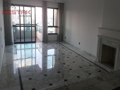 Apartamento / de 4 dormitórios à venda em Anhangabaú, Jundiaí - SP